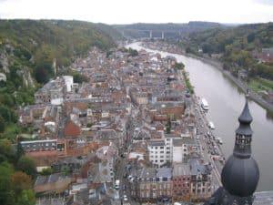 1280px-dinant_belgique_octobre_2006 (1)