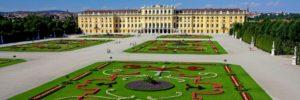 csm_Schloss_GrossesParterre_quer_c-JuliusSilver_3d60650b6b